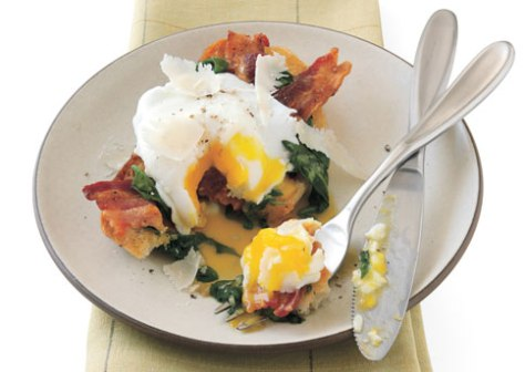 mare_poached_egg_crostone_with_wilted_spinach_and_bacon_h